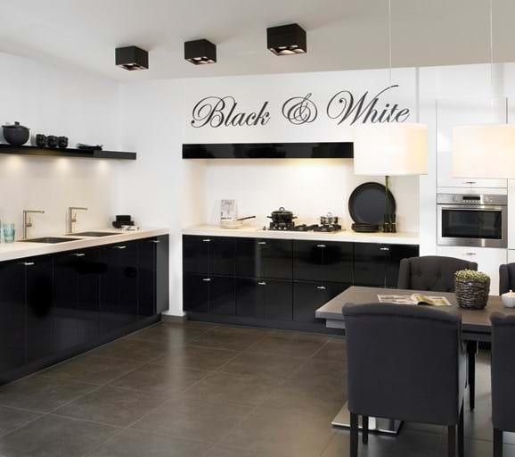 Zwarte keukens in elke stijl budget en opstelling adee - Keuken zwarte tegels en witte ...