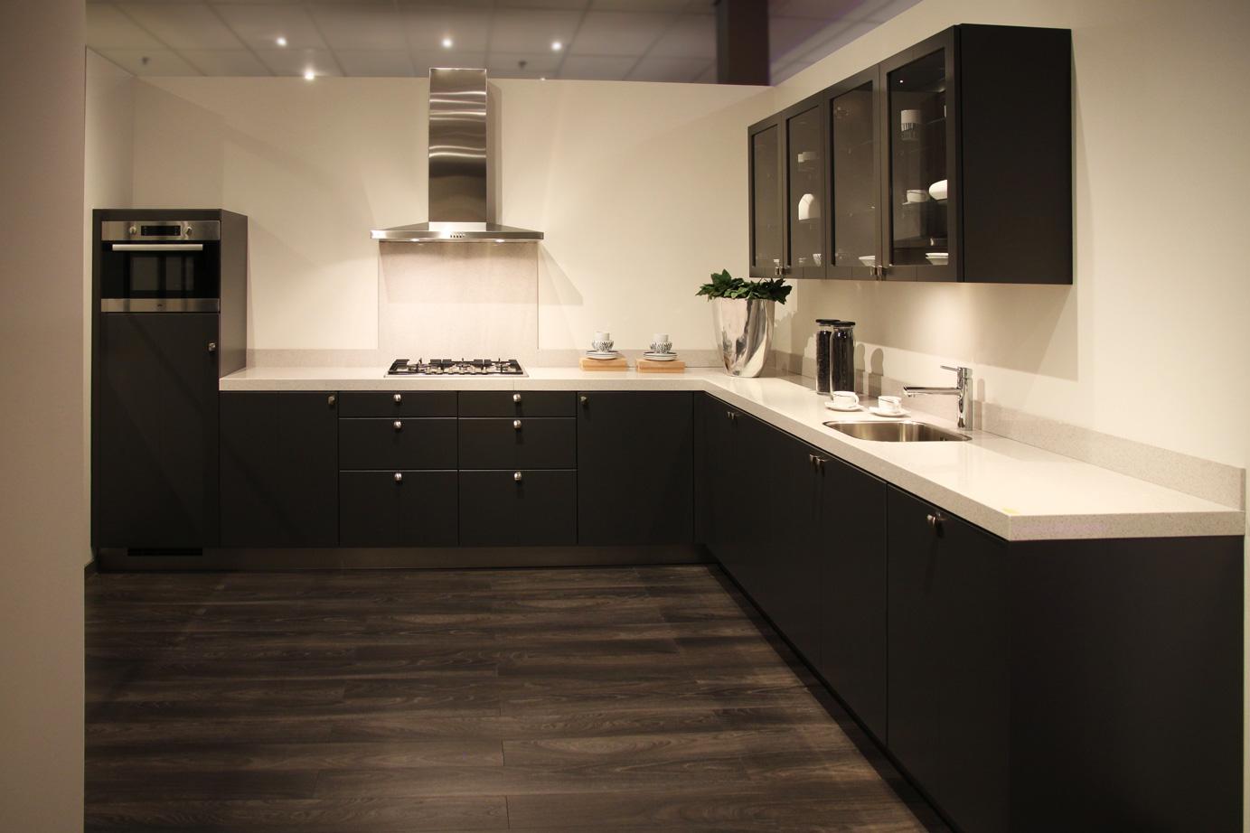 Nieuwe Badkamer Rotterdam ~   Keukens Schitterende tegels ten hove keukens badkamers Keukens