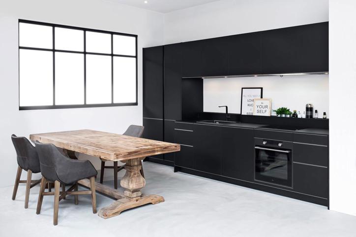 Zwarte keukens in elke stijl, budget en opstelling   adee