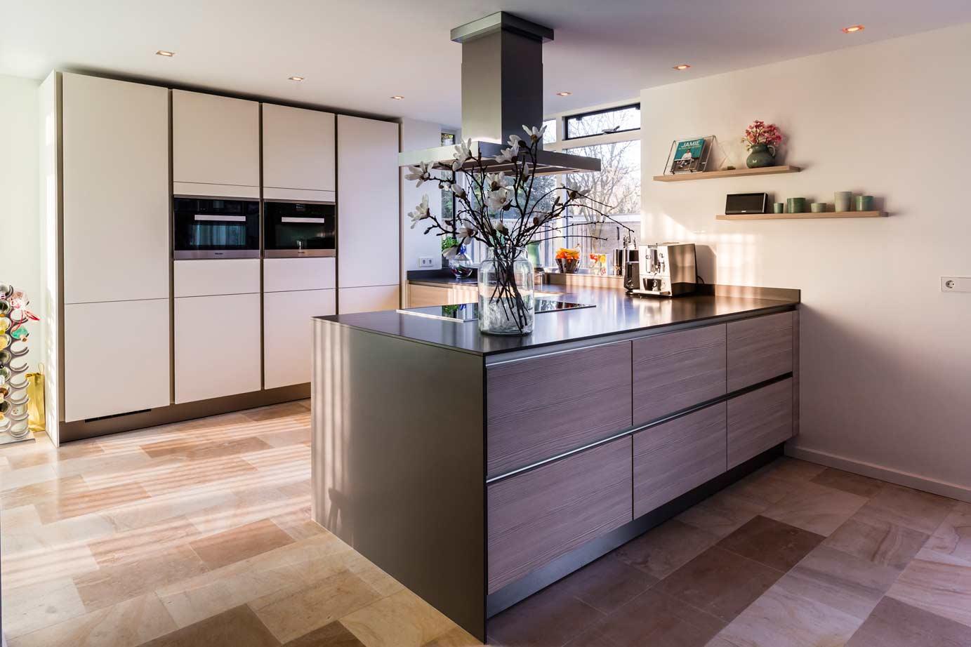 Witte keukens in elke stijl budget en opstelling adee