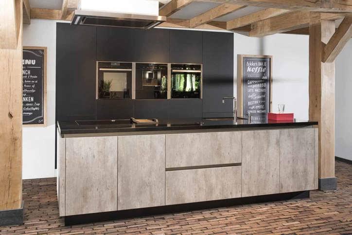 Luxe Design Keuken : Luxe keukens. vanaf 15.000 euro. ook maatwerk mogelijk. adee