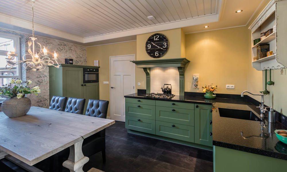 Witte Keuken Sfeer : Landelijke hoekkeuken kopen in rijssen? lees ervaringen adee