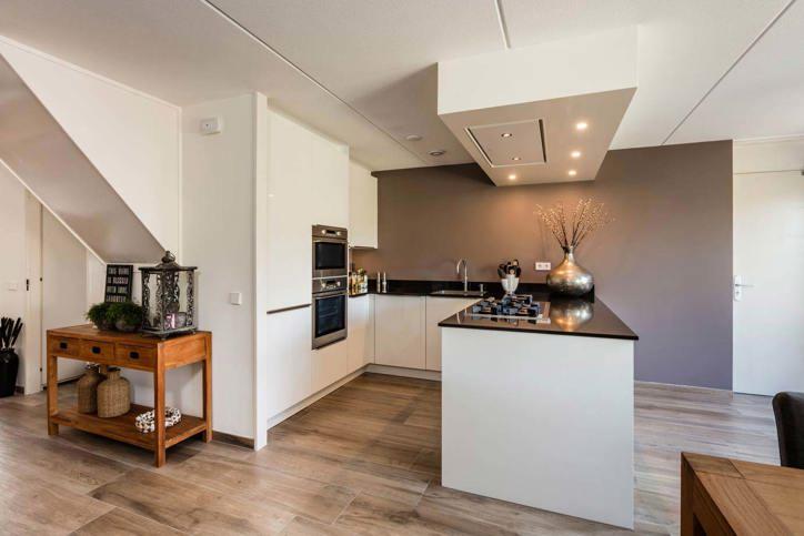 Modern Keuken Schiereiland : Onze moderne keukens: het nieuwste voor lage nettoprijzen. adee